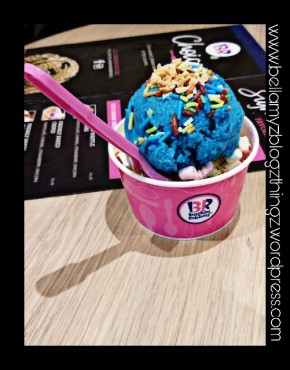 #Baskin Robbins in Utrecht Hoge Catharijne (written in english & dutch)